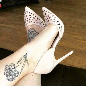 Laser cut out pumps